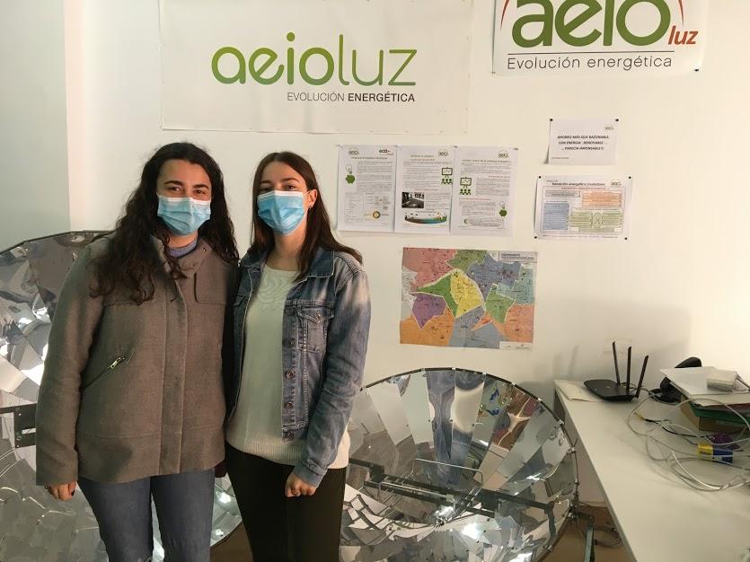 Sofía y Nuria acaban sus prácticas de Trabajo Social en AeioLuz